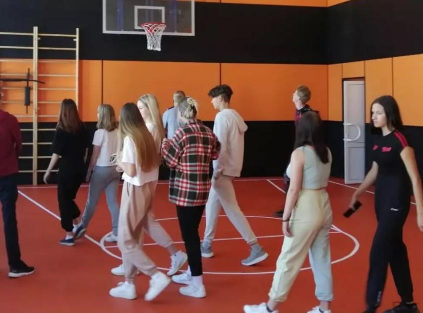 В школе № 1 поселка Кавалерово отремонтировали спортзал